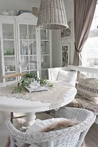 Shabby Chic Stühle : 25 best ideas about shabby chic chairs on pinterest distressed turquoise furniture ~ Orissabook.com Haus und Dekorationen