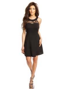 robe mariã e courte dentelle robe il vous en faut au moins une dans votre dressing