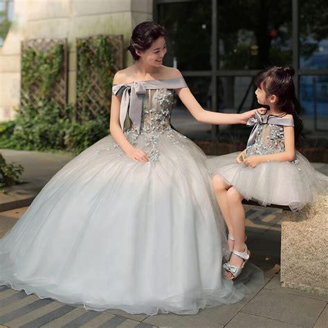 Вечерние парадно выходные одинаковые платья для мамы и дочки