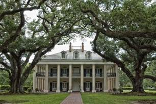 Antibellum Homes Pictures by Our Travel Louisiana Oak Alley Plantation May 2