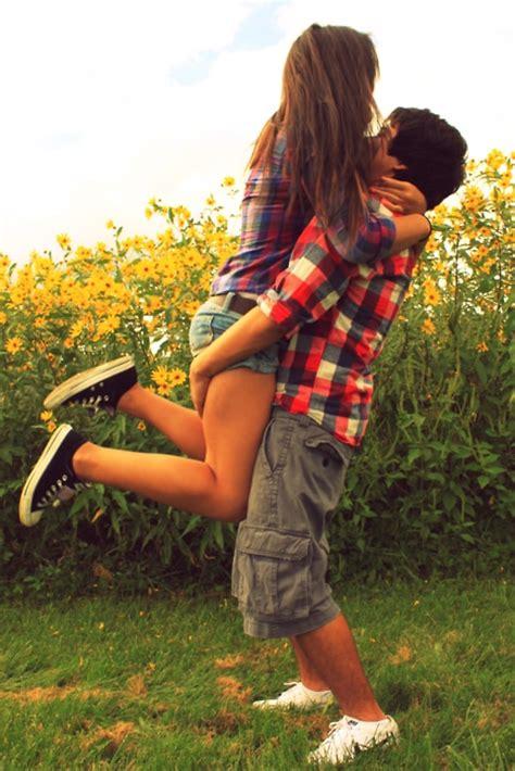 romantic whatsapp profile dp  love couple