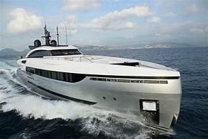 Columbus Yachts39 ELEONORA III Sport Hybrid Superyacht