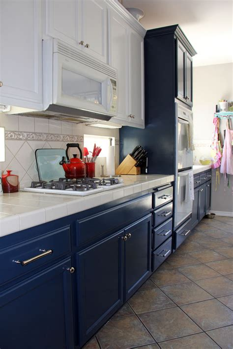 white and navy kitchen cabinets the ultimate guide to painting kitchen cabinets of diy