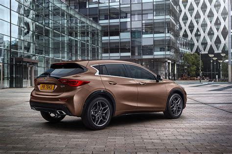 Infiniti Q30 Revealed It's The Aclass From Japan! Car
