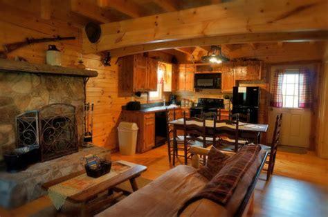 Lydia Mountain Lodge & Log Cabins   Cabin #11 Three Bears