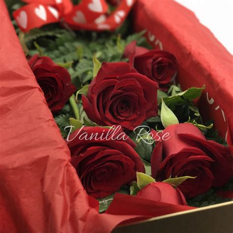box  dozen long stem roses