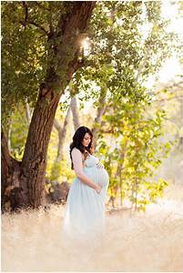 Kristen U2019s Romantic Wooded Maternity Session