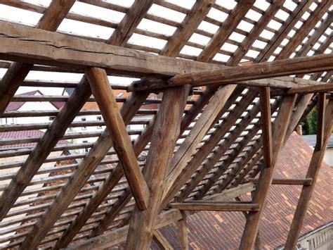 historische holzbalken scheunenbalken altes bauholz