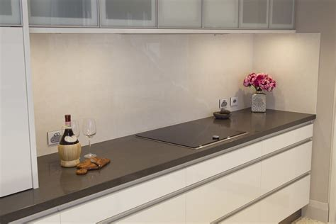 kitchen splashback tiles perth using large tiles for kitchen splashback should i choose 6119