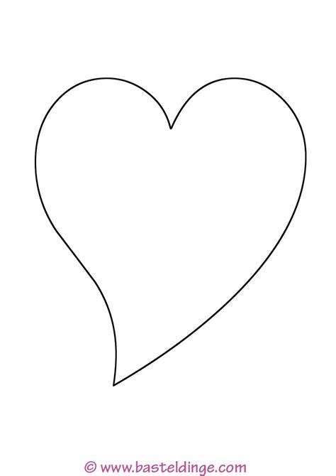 Wählen sie aus illustrationen zum thema gebrochenes herz von istock. Malvorlage Geschwungenes Herz   Batavusprorace