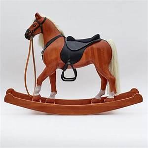 Cheval En Bois à Bascule : grand cheval bascule en bois massif ~ Teatrodelosmanantiales.com Idées de Décoration