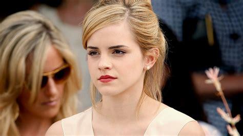 Hollywood Celebrities Emma Watson Hot Wallpapers