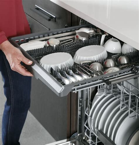 ge pdtsynfs   fully integrated built  dishwasher   place settings  cycles
