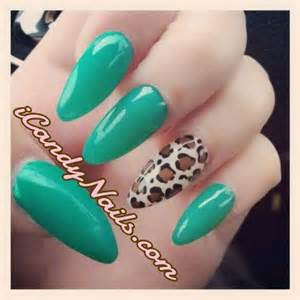 Great green stiletto nail