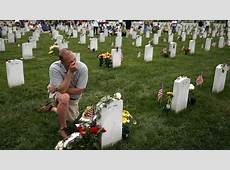 Obama lays wreath, delivers Memorial Day speech