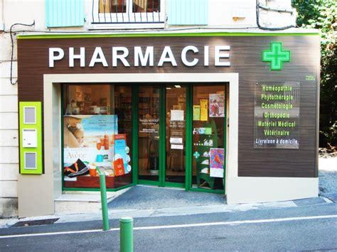 plan bureau d angle enseignes à led habillage aspect wengue de pharmacie et