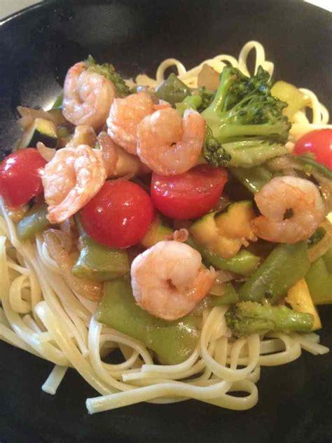 et sa cuisine legere wok de légumes aux crevettes et sa cuisine