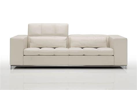 sofas tables and more nick modern luxury sofa cierre imbottiti