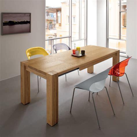 sedie e tavoli da cucina idee tavolo da cucina resistente e pratico 3 il legno