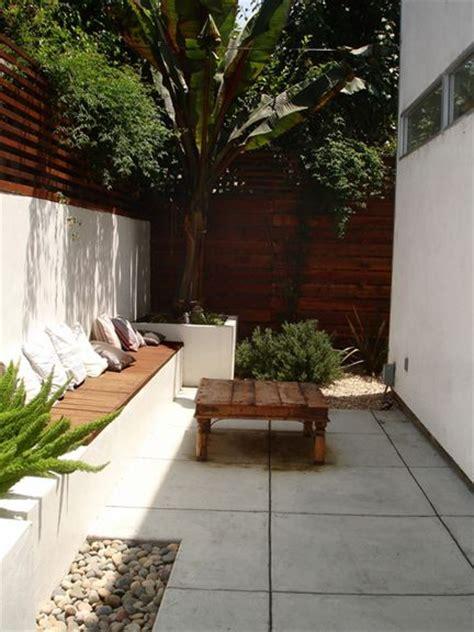 small courtyards ideas  pinterest
