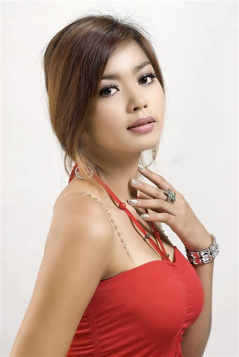 Arloos Myanmar Model Gallery Nwe Nwe Htun Red Dress In Studio