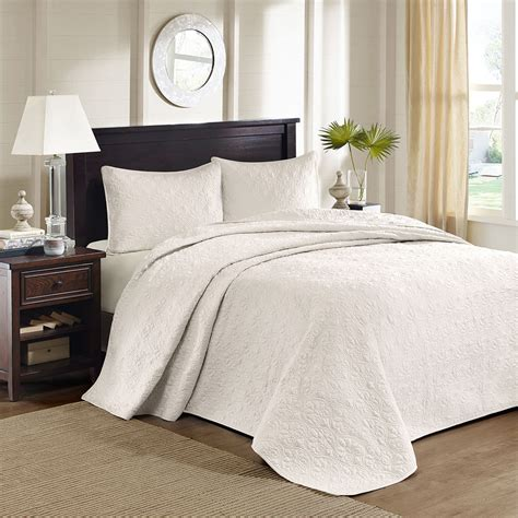 Coverlet King by Beautiful Oversized White Vintage Classic Texture