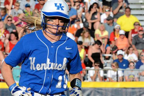 womens college world series kentucky softball