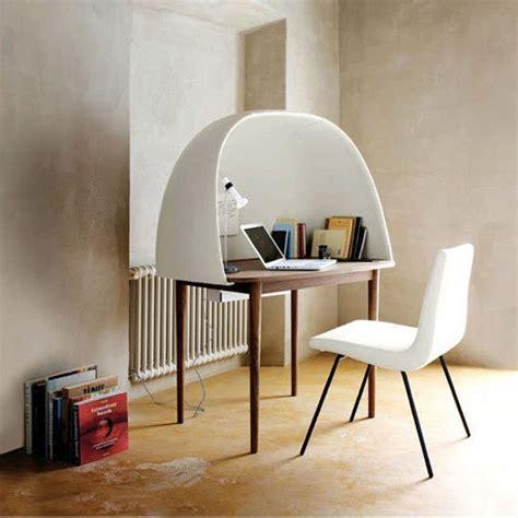 bureau ferme idée déco un petit bureau fermé pour s isoler dans sa