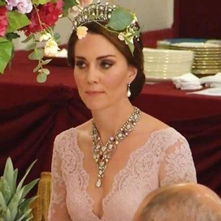 Kate Middleton Wears Princess Diana Tiara Red Online