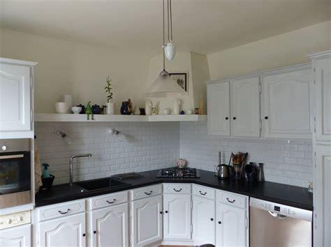 cuisine repeinte en gris comment moderniser une cuisine rustique eleonore déco