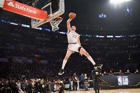 Nba Slam Dunk Contest 2018 Reminds Us All The Cool Dunks