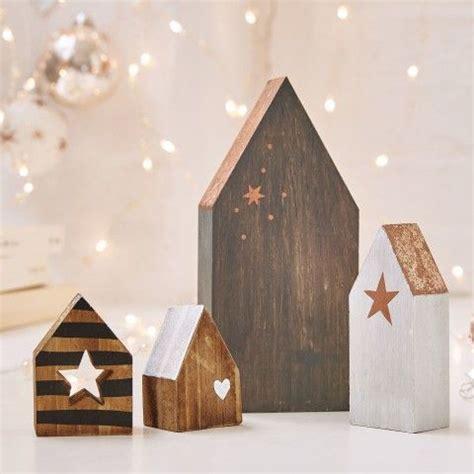 Weihnachtsdeko Landhaus Aussen by Weihnachtsdeko Aus Holz Deko Weihnachten Landhaus Deko