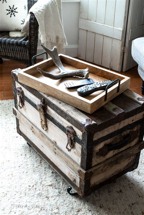 rustic winter decorating  black white  woodfunky