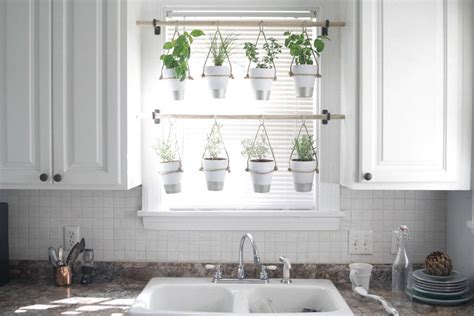 Indoor Window Garden by 15 Diy Indoor Kitchen Herb Gardens Crock Pot