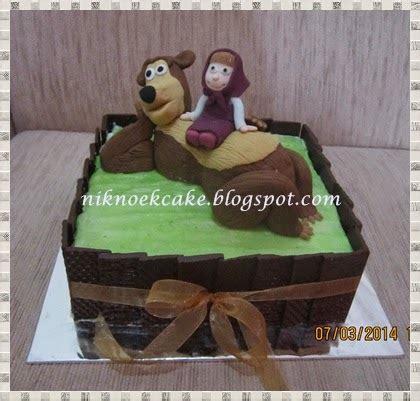 niknoek cake masha bear
