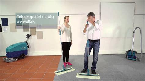 Pvc Boden Nass Wischen by Wetrok Academy Anleitung Staubbindend Wischen Ergonomie