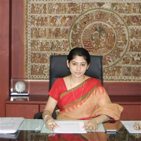 ias officer smita sabharwal    sue outlook