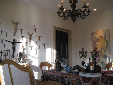 Victorian Dining Room With Modern & Funky Art Installation