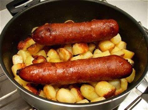 cuisiner une saucisse de morteau cuisine facile com comment bien cuire la saucisse de morteau