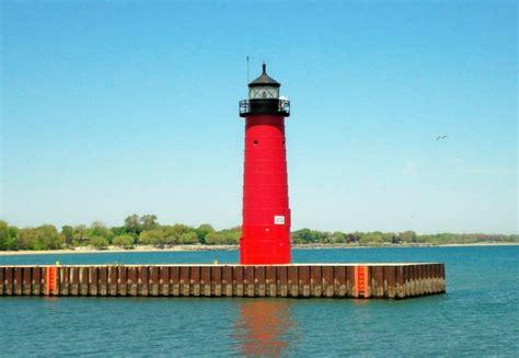 kenosha pier light kenosha pier lighthouse travel wisconsin