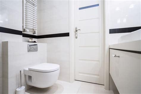 tipps fuer kleine badezimmer  wirkt es groesser