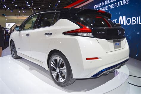 2018 Nissan Leaf Showcased At The 2017 Dubai Motor Show