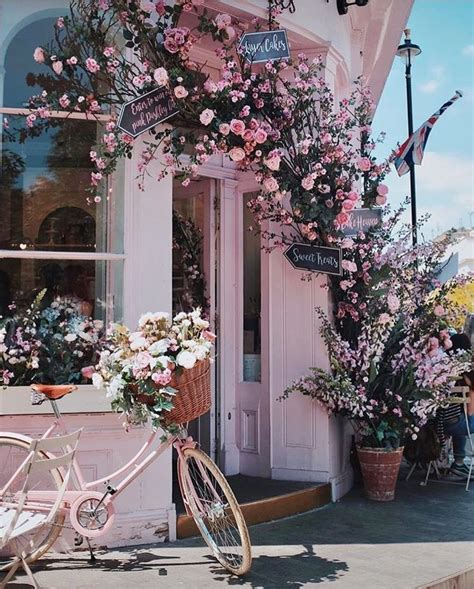 cutest london brunch spot  spring flowers beautiful