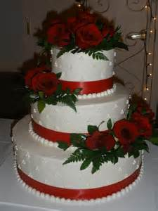 wedding cake with roses it 39 s a of cake buttercream wedding cake