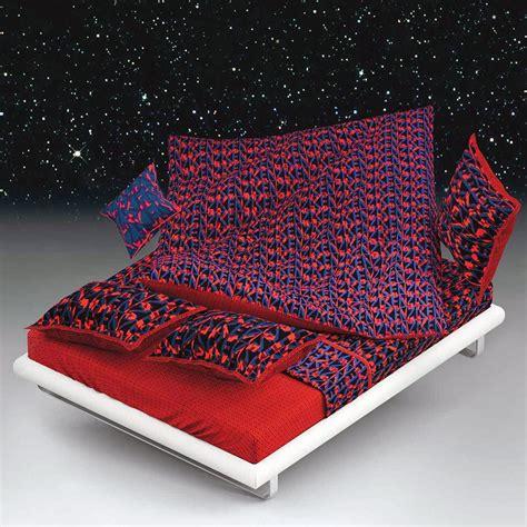 drap housse 160x200cm logo 3d rubis par kenzo maison la boutique novalinge