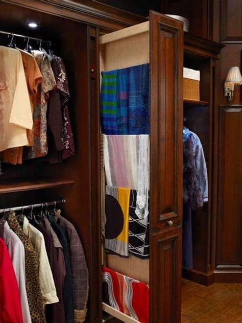 hunt club valet traditional closet houston