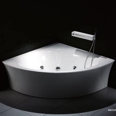 baignoire d angle 140x140 la baignoire balneo rhein une baignoire d angle pour salle de bain