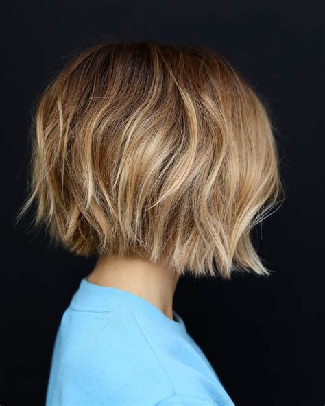 Bobs Hairstyles For Thick Hair by 10 Easy Bob Haircuts For Thick Hair