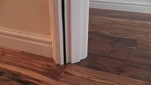 couper et bien ajuster un bas de porte pour la pose de With pose parquet flottant porte