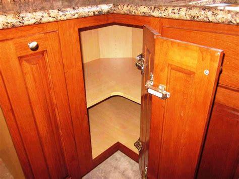 kitchen cabinet corner solutions corner kitchen cabinet squeeze more spaces home design 5209